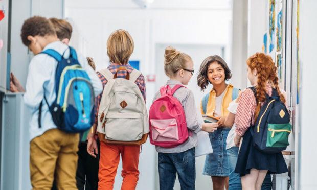 Como escolher a escola certa para crianças It Mãe