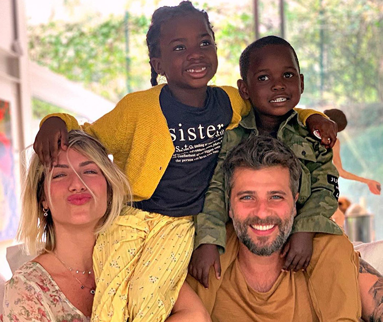 Família Ewbank Gagliasso: Giovanna, Titi, Bless e Bruno