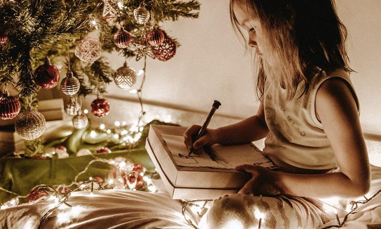 Como surpreender as crianças no Natal It Mãe