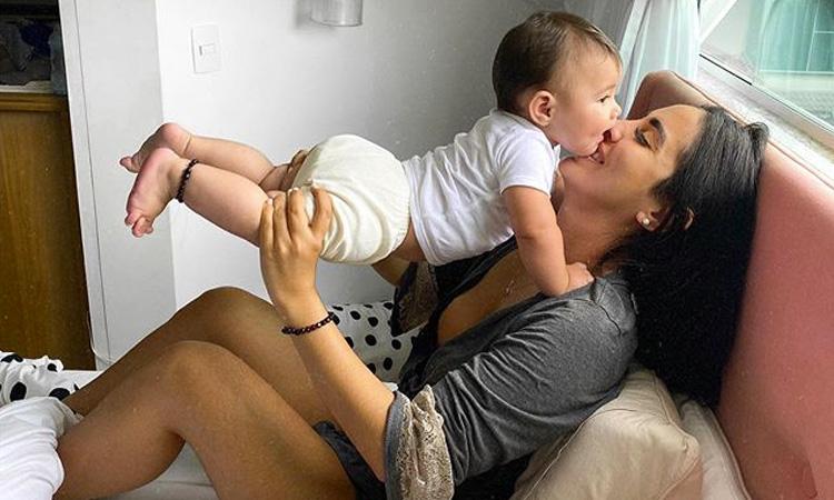 Bebês de famosos: Jade Seba e Zion It Mãe