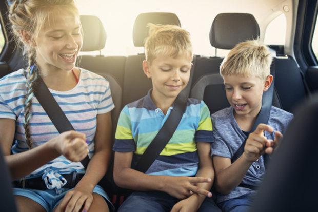 Brincadeiras para viajar de carros com crianças It Mãe