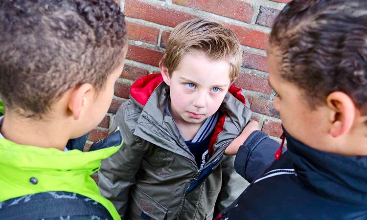 Bullying: saiba o que fazer se o seu filho estiver praticando It Mãe
