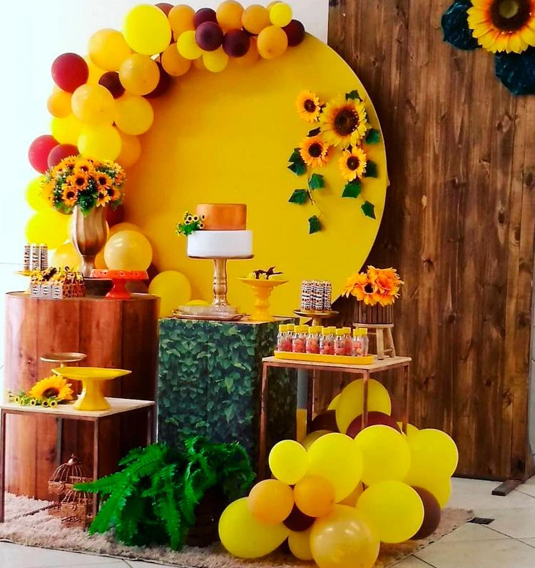 Inspiração de festa de aniversário florida - It Mãe