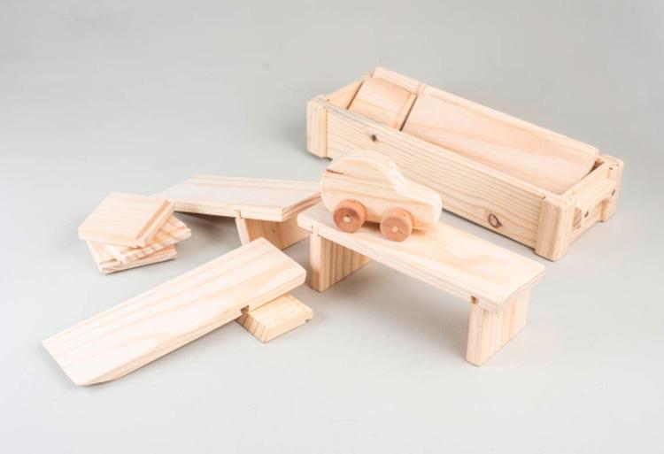 Brinquedos lúdicos para crianças - Kit carrinho e pista de madeira Olly Toys - It Mãe