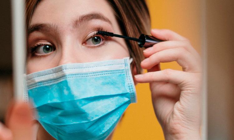 Como a quarentena influencia a saúde da pele, cabelo e unhas