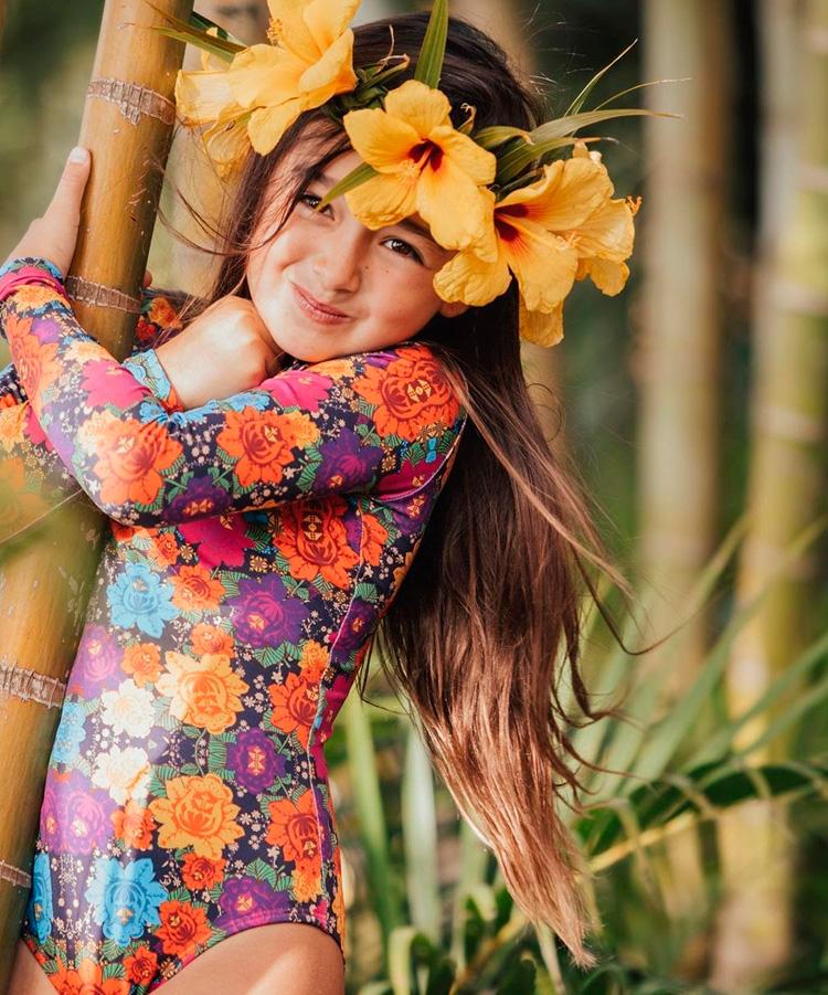 Looks girlie maiô floral Lului Bikinis It Mãe
