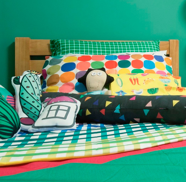 Cama colorida Nino Ambientes Infantis - It Mãe