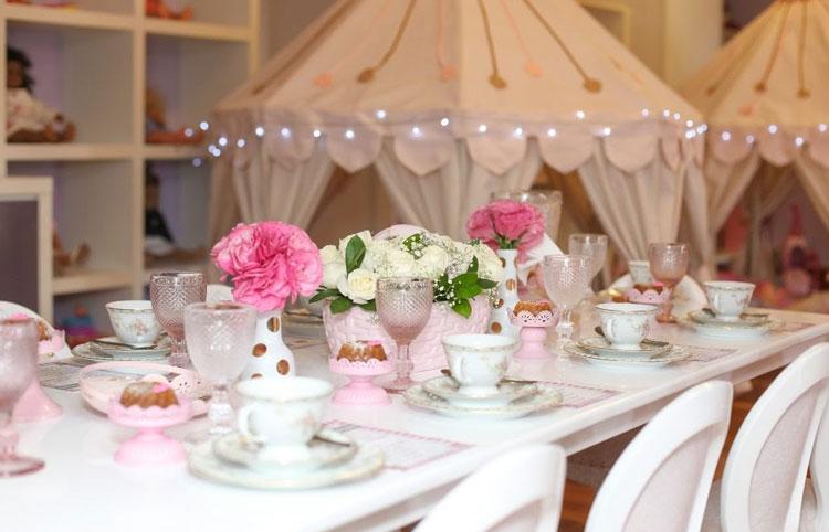 Chá de princesas Mãe me Quer Decoração de mini festa It Mãe
