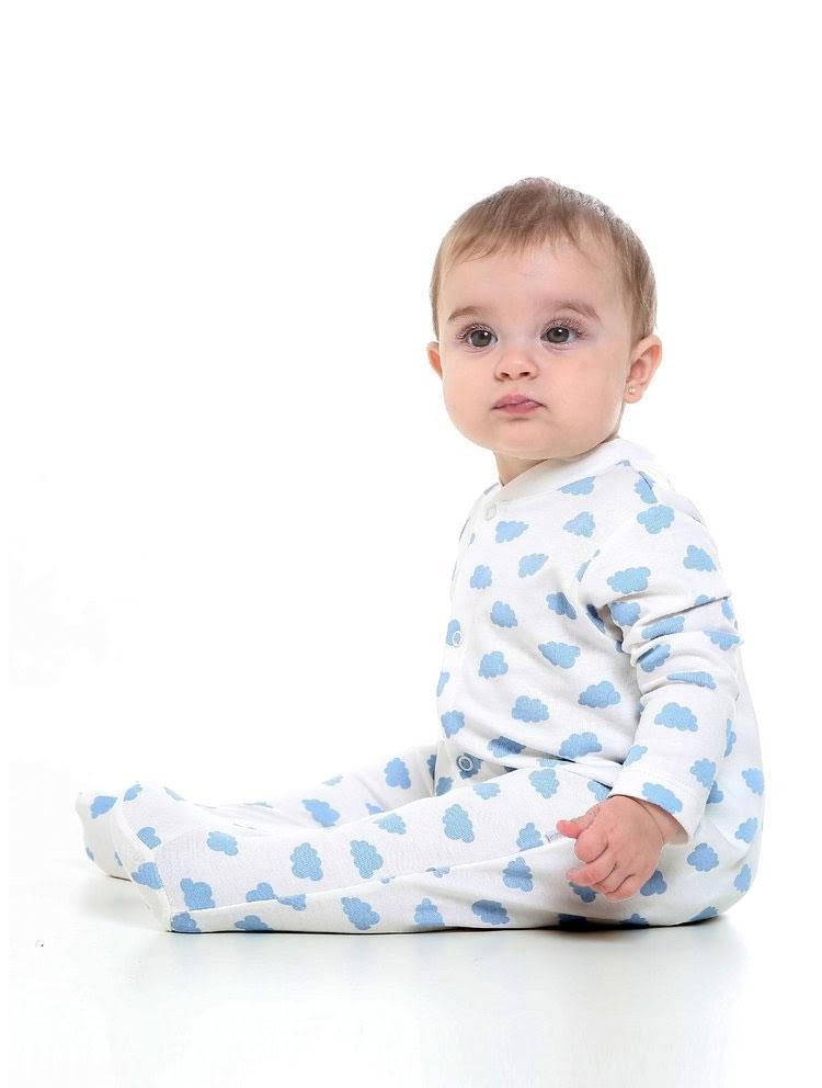 Macacão azul itens que ajudam a cuidar do bebê baby pima it mãe