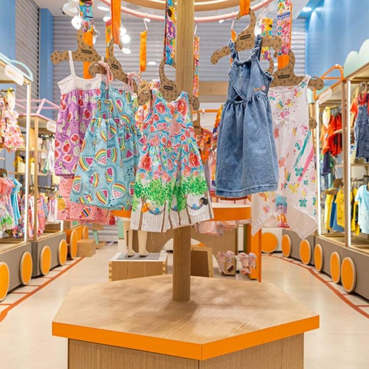 Lookinhos bem coloridos e cheios de estilo da Alphabeto, loja Shopping Morumbi - It Mãe