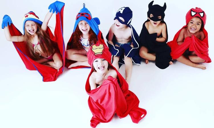 Toalhas de super heróis para um banho sem choro - It Mãe