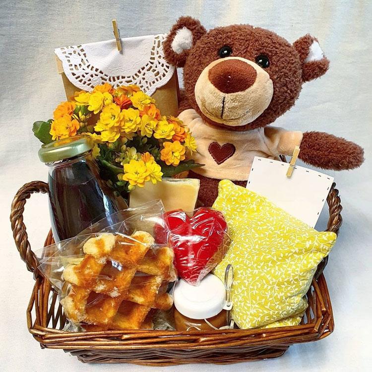 cesta de café da manhã com pelúcia presentes para o dia das mulheres afeto na cesta it mãe