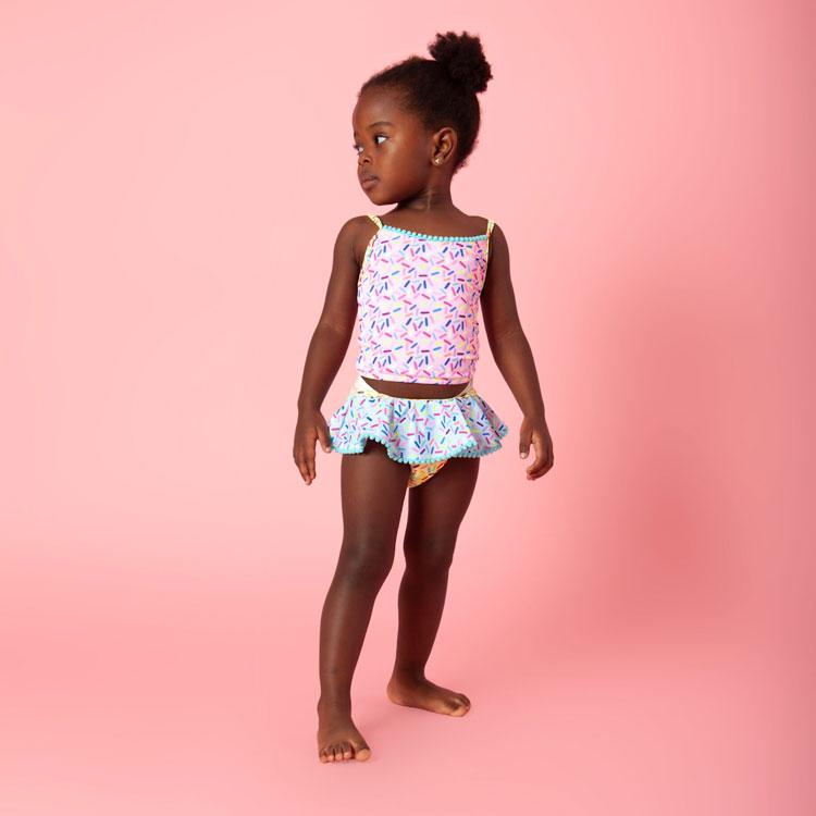 biquini bebê carnaval bahia praia com crianças mundo mini it mãe