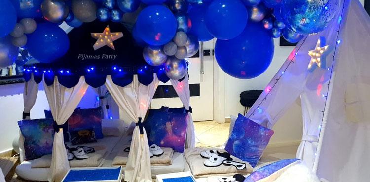 decoração azul noite em família pijamas party it mãe