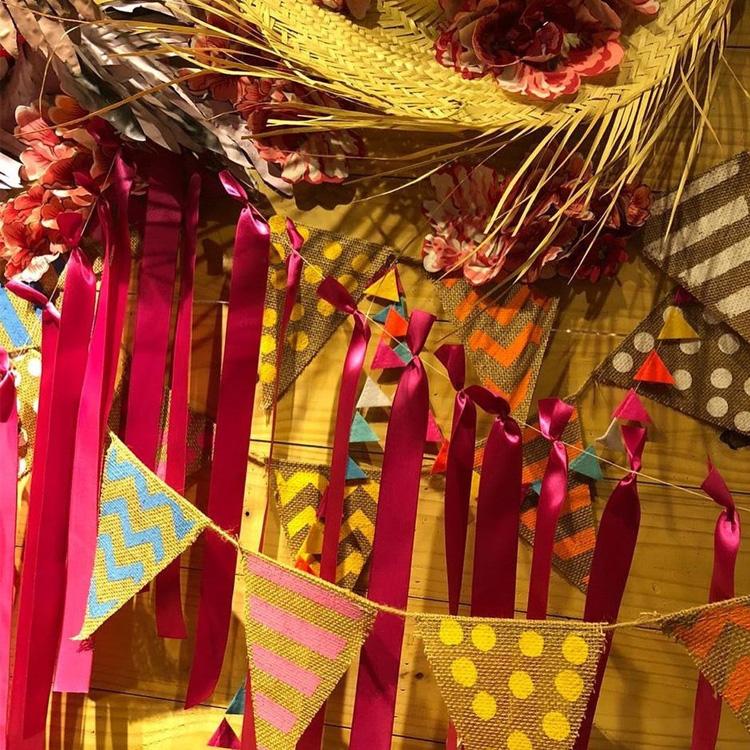 It Mãe: festa junina em casa - bandeirolas