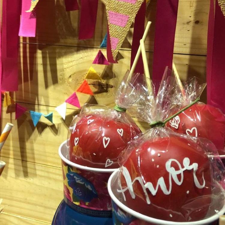 It Mãe: festa junina em casa - maçã do amor decorada