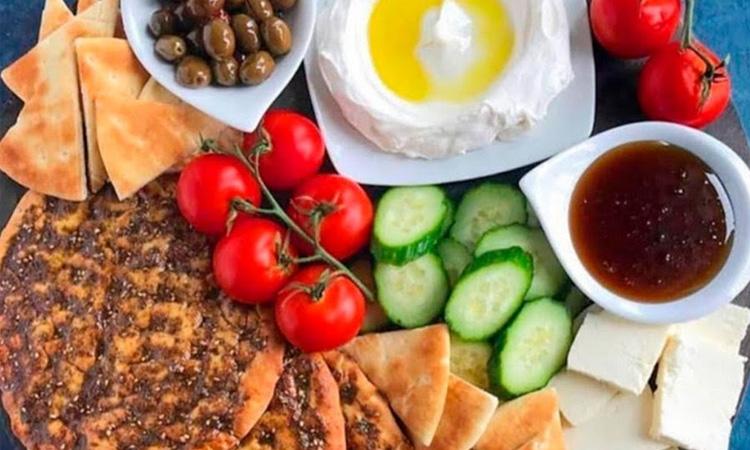 It Mãe - noite especial a dois - Do Oriente ao Pote - mesa libanesa