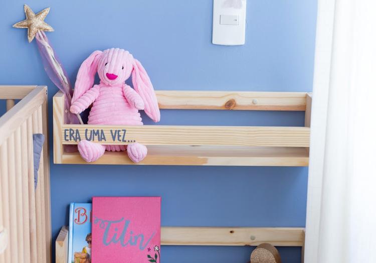 porta-livros de parede itens de decoração infantil ateliê baobá it mãe